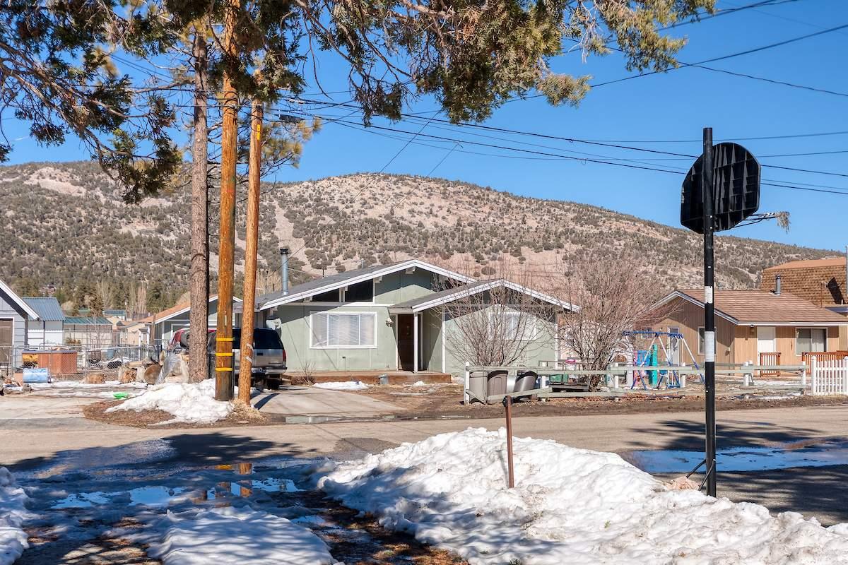 214 E Mountain View