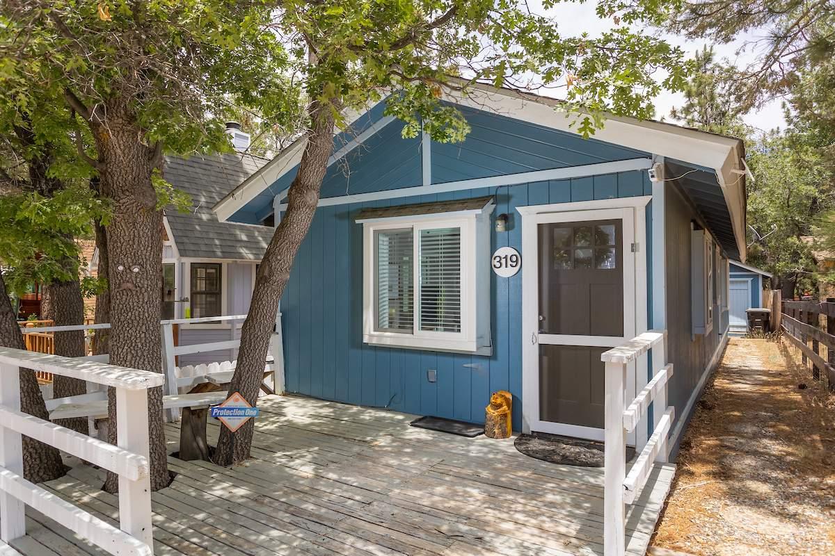 319 Santa Barbara Ave