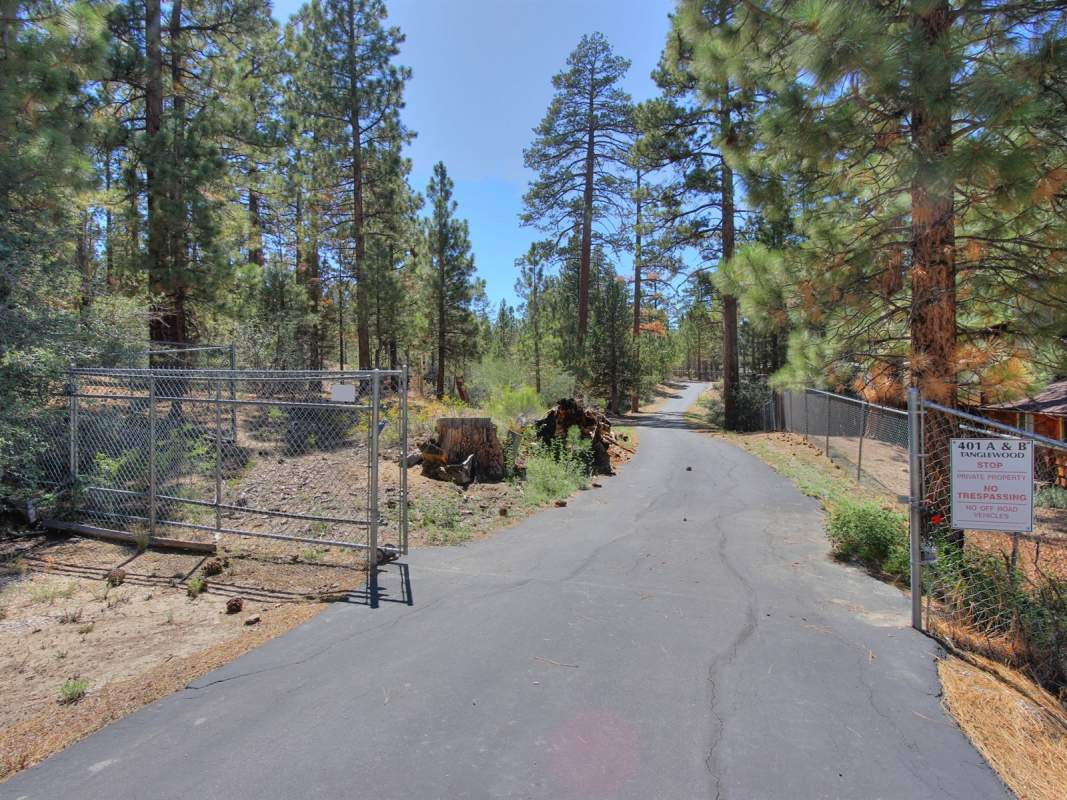 Entry to Gated Acreage