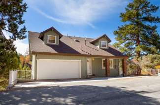 596 Villa Grove Avenue